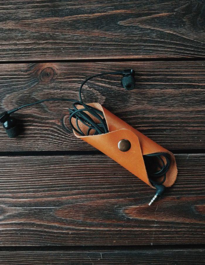 кожаный держатель для проводов
