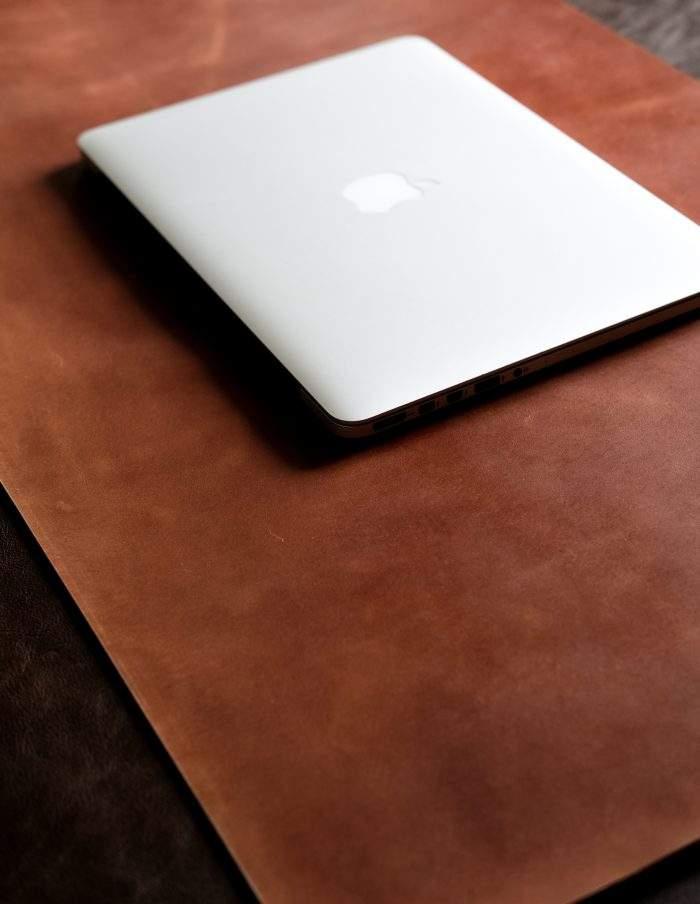 Аксессуары из кожи для ноутбука